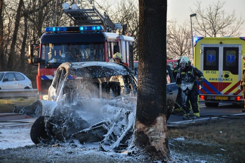Auto in brand na ongeval-4